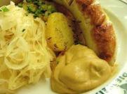 gordas con chucrut, gastronomia chilena, cocina chilena