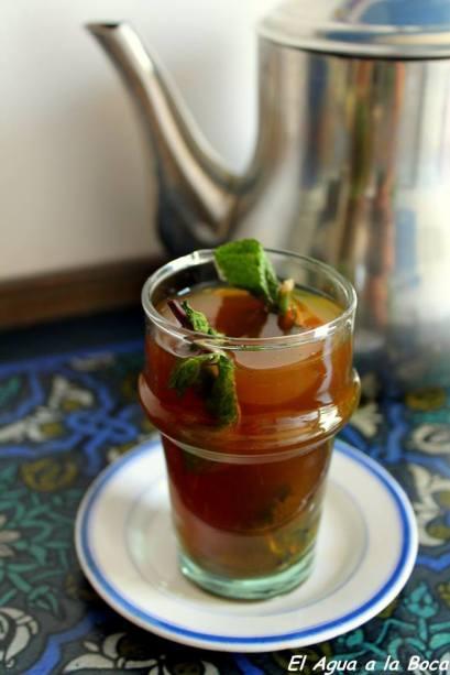 Té verde a la menta, thé vert aà la menthe, cuisine marocaine, Maghreb, Africa del norte