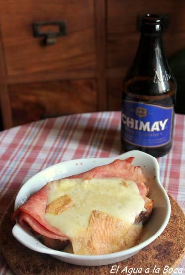 sandwich queso jamon cerveza